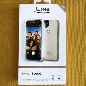 New w/tags LUMEE two Selfie case with front lights